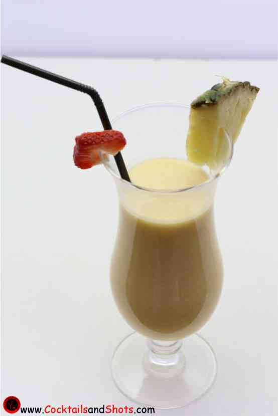 https://cocktailsandshots.com/wp-content/uploads/2018/06/A_Day_at_the_Beach_cocktail_made_with_coconut_cream_amaretto_orange_juice_grenadine.jpg
