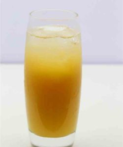 https://cocktailsandshots.com/wp-content/uploads/2018/06/A_Southern_Screw_cocktail_made_from_vodka_southern_comfort_orange_juice-250x300.jpg