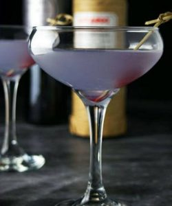 https://cocktailsandshots.com/wp-content/uploads/2018/06/Aviation_cocktail_recipe-250x300.jpg