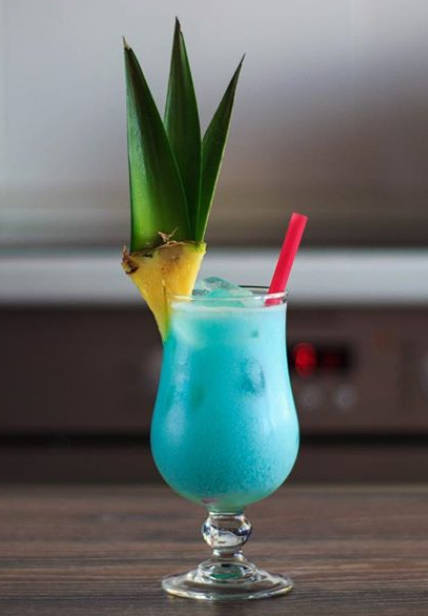 Blue Hawaiian Recipe Ingredients How To Make A Blue Hawaiian Cocktail Drink