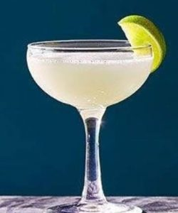 https://cocktailsandshots.com/wp-content/uploads/2018/06/Daiquiri_cocktail_recipe-250x300.jpg