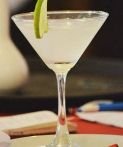 https://cocktailsandshots.com/wp-content/uploads/2018/06/Gimlet_cocktail_recipe-250x300.jpg