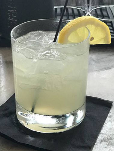 https://cocktailsandshots.com/wp-content/uploads/2018/06/Gin_fix_xoxktail_recipe.jpg