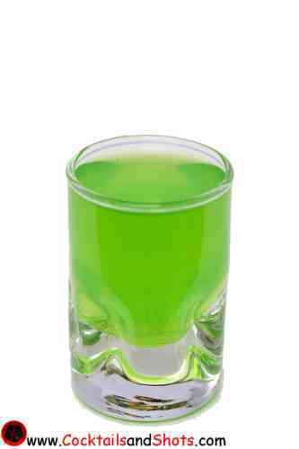 https://cocktailsandshots.com/wp-content/uploads/2018/06/Green_Vodka.jpg