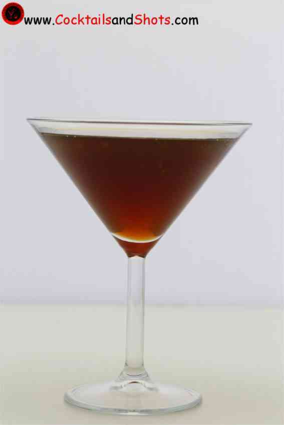 https://cocktailsandshots.com/wp-content/uploads/2018/06/Scofflaw-cocktail-recipe-made-with-whiskey-dry-vermouth-lemon-juice-orange-bitters-and-grenadine.jpg