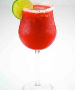 https://cocktailsandshots.com/wp-content/uploads/2018/06/Strawberry_Daiquiri-1-250x300.jpg