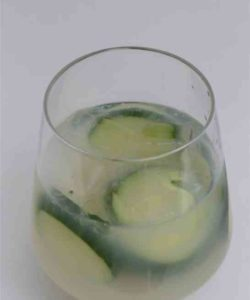 https://cocktailsandshots.com/wp-content/uploads/2018/06/The_Green_Beast_Cocktail_recipe_with_absinthe_and_lime_juice-250x300.jpg
