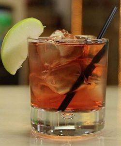 https://cocktailsandshots.com/wp-content/uploads/2018/06/Washington_apple_cocktail_recipe-250x300.jpg