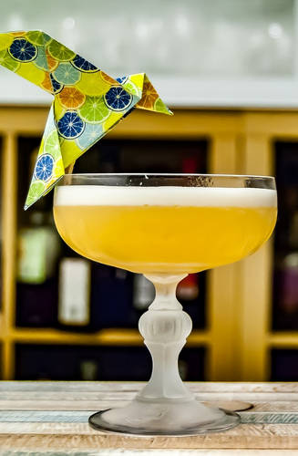 https://cocktailsandshots.com/wp-content/uploads/2018/06/Whiskey_sour_cocktail_recipe.jpg