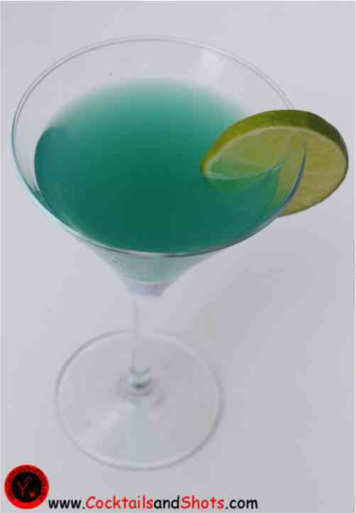 https://cocktailsandshots.com/wp-content/uploads/2018/06/blue_monday_cocktail_recipe-1.jpg