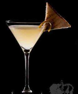 https://cocktailsandshots.com/wp-content/uploads/2018/06/breakfast_martini_cocktail_recipe_gin_triplesec-lemonjuice_marmalade-250x300.jpg