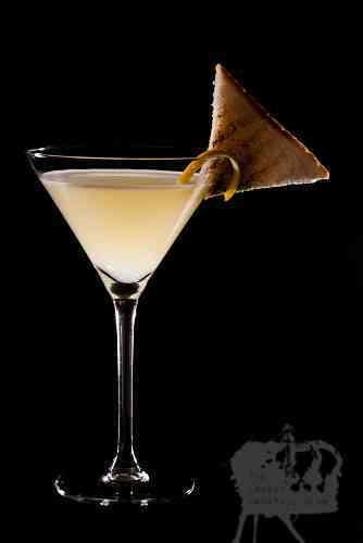 https://cocktailsandshots.com/wp-content/uploads/2018/06/breakfast_martini_cocktail_recipe_gin_triplesec-lemonjuice_marmalade.jpg