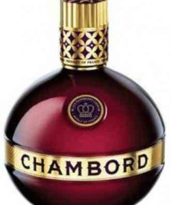 http://cocktailsandshots.com/wp-content/uploads/2018/06/cocktais_with_chambord_liqueur_red_black_raspberries_vanilla_cognac-250x300.jpg