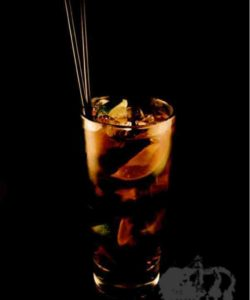 https://cocktailsandshots.com/wp-content/uploads/2018/06/cuba_libre_cocktail_recipe_made_with_rum_and_cola-250x300.jpg