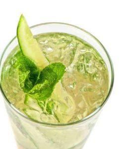 https://cocktailsandshots.com/wp-content/uploads/2018/06/cucumber_mint_gin_tonic-250x300.jpg