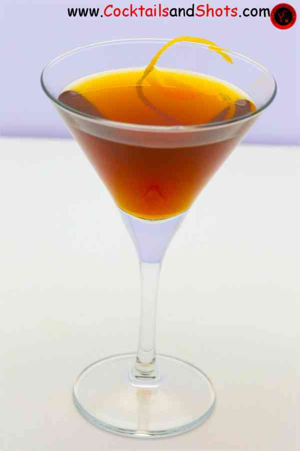 https://cocktailsandshots.com/wp-content/uploads/2018/06/dolores_cocktail_recipe_rum_dubonnet_sherry.jpg