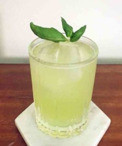 https://cocktailsandshots.com/wp-content/uploads/2018/06/how_to_make_the_basil_smash_cocktail_recipe-250x300.jpg