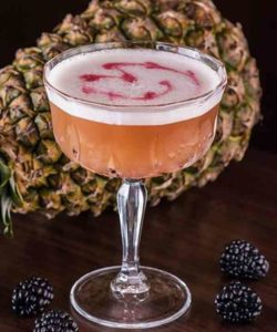 https://cocktailsandshots.com/wp-content/uploads/2018/06/how_to_make_the_french_martini_cocktail_recipe-250x300.jpg