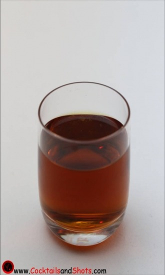 https://cocktailsandshots.com/wp-content/uploads/2018/06/how_to_make_the_jagerita_shot_recipe_with_tequila_lime_juice_jagermeister_0.jpg