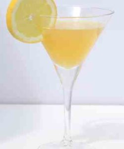 https://cocktailsandshots.com/wp-content/uploads/2018/06/how_to_make_the_pilot_boat_cocktail_with_rum_creme_de_banane_lemon_juice-250x300.jpg