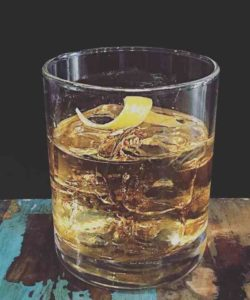 https://cocktailsandshots.com/wp-content/uploads/2018/06/how_to_make_the_rusty_nail_cocktail_recipe-250x300.jpg