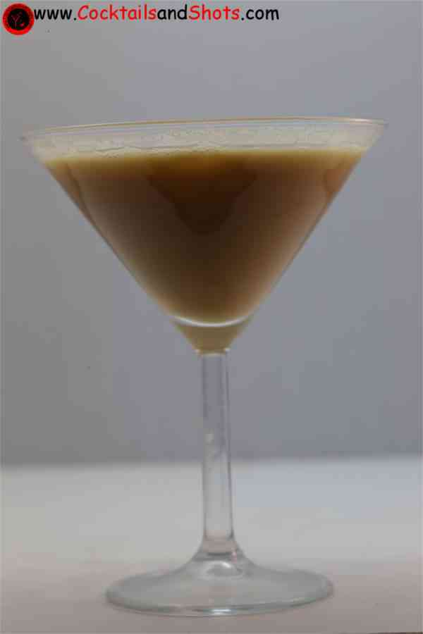 https://cocktailsandshots.com/wp-content/uploads/2018/06/jamaica_joe_cocktail_recipe_made_with_grenadine_coffee_liqueur_advocat_and_dark_rum.jpg