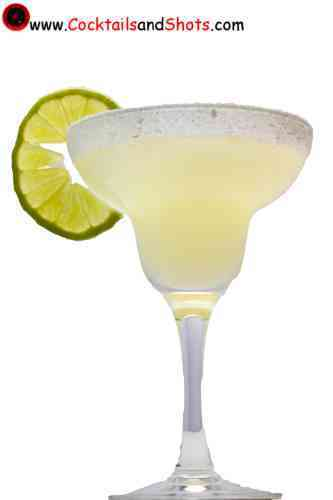 https://cocktailsandshots.com/wp-content/uploads/2018/06/margarita_cocktail_recipe.jpg