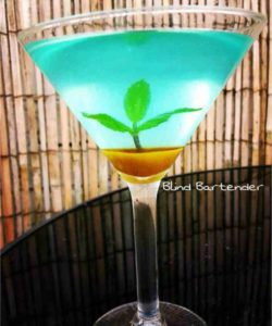 https://cocktailsandshots.com/wp-content/uploads/2018/06/paradise_island_mojito_cocktail_recipe_with_blue_curacao_white_rum_mint_and_sugar-250x300.jpg