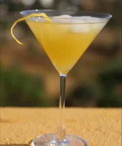 https://cocktailsandshots.com/wp-content/uploads/2018/06/pineapple_twins_cocktail_recipe-250x300.jpg