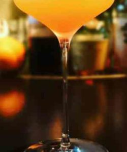 https://cocktailsandshots.com/wp-content/uploads/2018/06/the-perfect-corkscrew-cocktail-recipe-250x300.jpg