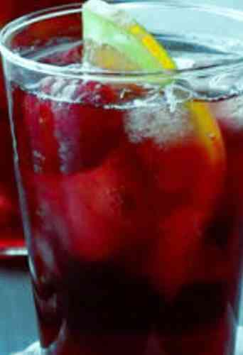 https://cocktailsandshots.com/wp-content/uploads/2018/06/the_best_ruby_red_wine_punch_with_red_wine_lemon_juice_soda_raspberry_syrup.jpg