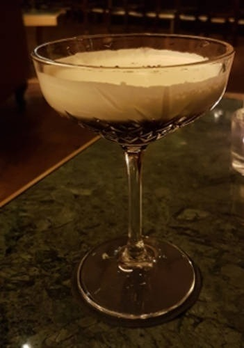 https://cocktailsandshots.com/wp-content/uploads/2018/06/the_best_white_russian_cocktail_with_cream_vodka_coffeeliqueur.jpg