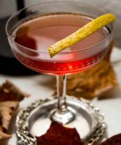 https://cocktailsandshots.com/wp-content/uploads/2018/09/Saxon_cocktail_recipe-250x300.jpg