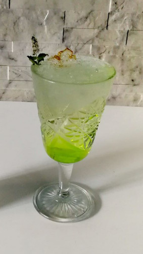 https://cocktailsandshots.com/wp-content/uploads/2018/09/The_perfect_persefone_cocktail_recipe.jpg