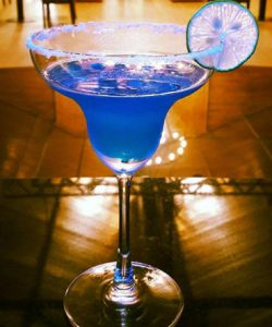 https://cocktailsandshots.com/wp-content/uploads/2018/12/Vaporeon_cocktail_recipe-250x300.jpg