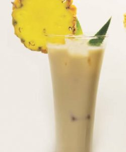 https://cocktailsandshots.com/wp-content/uploads/2019/07/Amarula_colada_cocktail_recipe-250x300.jpg