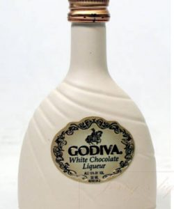 https://cocktailsandshots.com/wp-content/uploads/2019/10/White-chocolate-liqueur-250x300.jpg